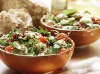 Mozarella, Oregano En Kappertjes Op Salade
