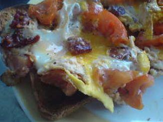 Gebakken Ei Met Chorizo En Tomaat