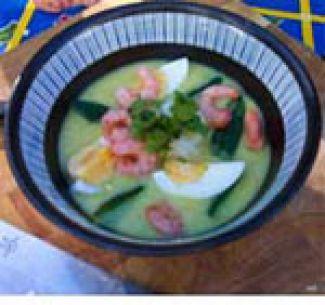 Komkommer-kerriesoep