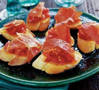 Spaans Toamten Brood Met Serano Ham