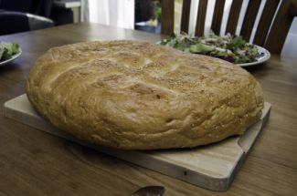 Turks Brood Met Brie En Honing Uit De Oven