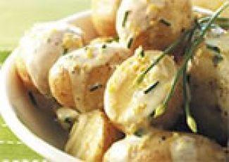 Nieuwe Aardappelen In Romige Bieslookdressing