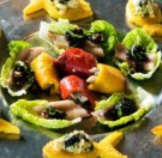Rolletjes Van Geroosterde Paprika Met Sardine