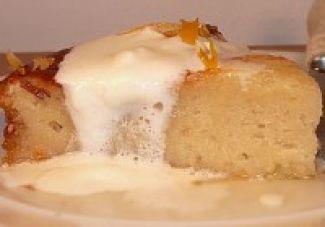 Frisse Cake Met Yoghurt En Citroensiroop