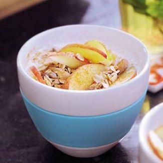 Yoghurt Met Krokante  Muesli, Appel En Kaneel